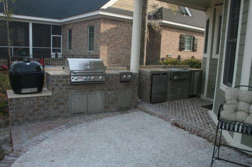 Outdoor Kitchen and Bar Center w/ XL Primo, Side Burner, Fridge, Grill, Icemaker