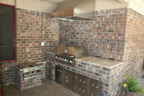 Brick w/ Trav. Top w/ Power Burner, Grill, Vent Hood, Door and Drawers