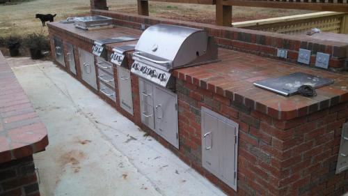 Brick w/ Grill, Griddle, Trash Chute, Doors and Drawers