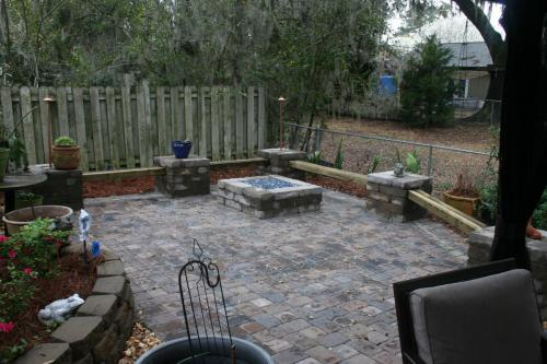 Paver Patio, Wall/Wood Benches, Gas Fire Pit