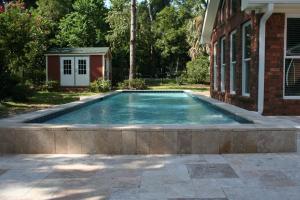 Raised Pool w/ Country Classic Trav.